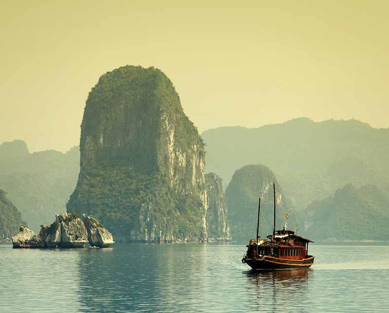 Adv-Asia-Vietnam-Cambodia-Vietnam-Explorer-800