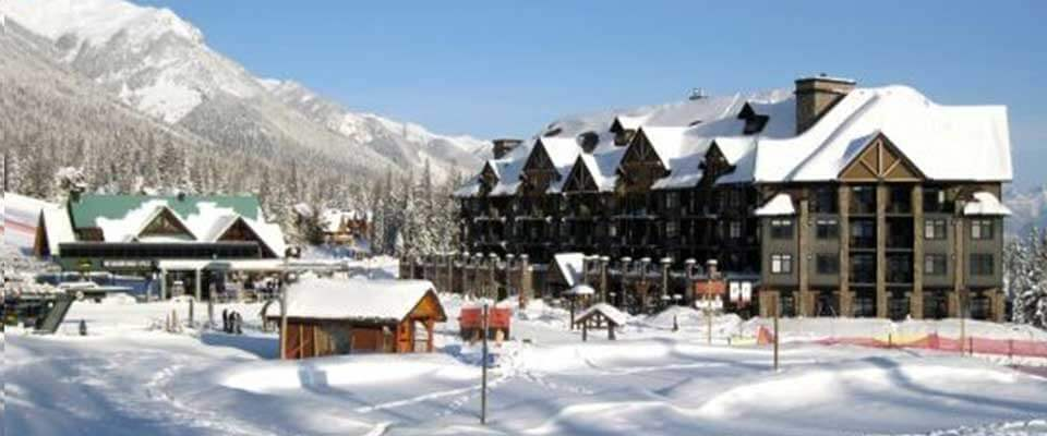 Glacier Mountaineer Lodge. Kicking Horse, BC.