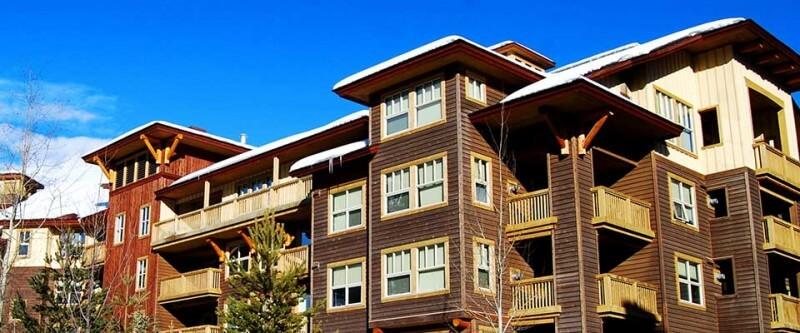 1000 Peaks Summit Lodge. Panorama, BC.