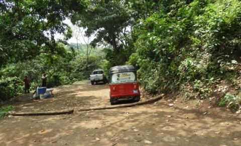 Tuk Tuk ride to Chorros de la Calera, Juayúa